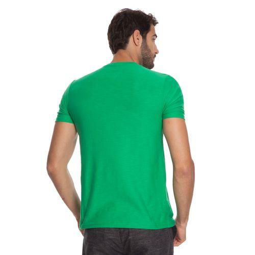 camiseta-aleatory-masculina-flame-gola-v-verde-modelo-5-