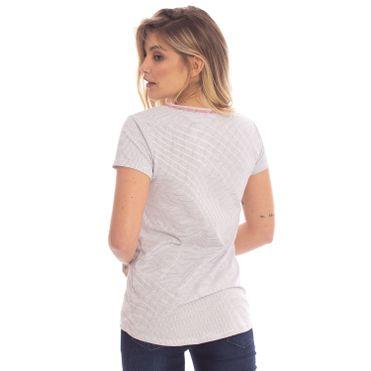 camiseta-aleatory-feminina-listradinha-nice-modelo-gabi-2-