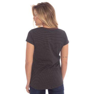 camiseta-aleatory-feminina-listradinha-nice-modelo-gabi-6-