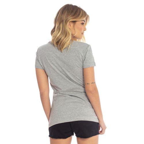 camiseta-aleatory-feminina-gola-v-beauty-modelo-gabi-2-