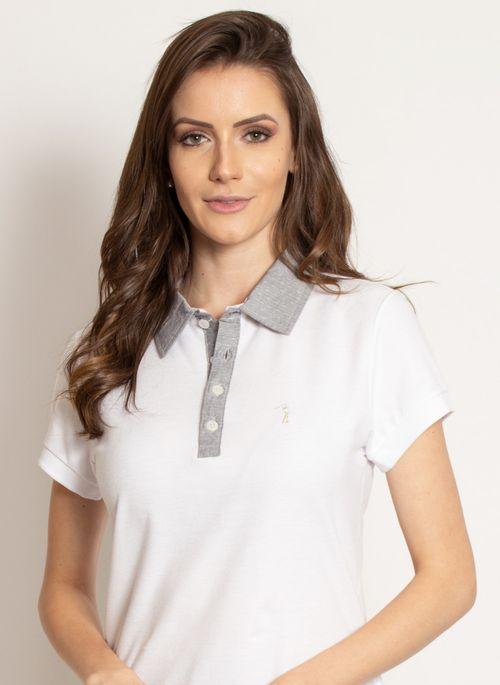 Camisa polo branca é neutra então dá para colocar blazer ou casaco da cor que quiser