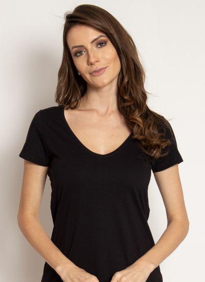 camiseta-aleatory-feminina-gola-v-basica-preta-modelo-2019-1-