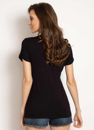 camiseta-aleatory-feminina-viscolycra-preto-modelo-2-