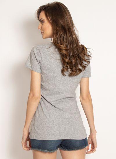 camiseta-aleatory-feminina-gola-v-beaty-modelo-2-