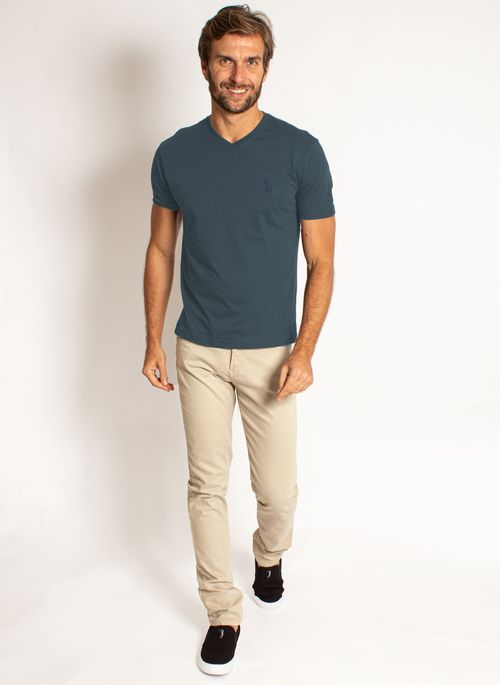 camiseta-aleatory-masculino-basica-gola-v-azul-modelo-2020-3-