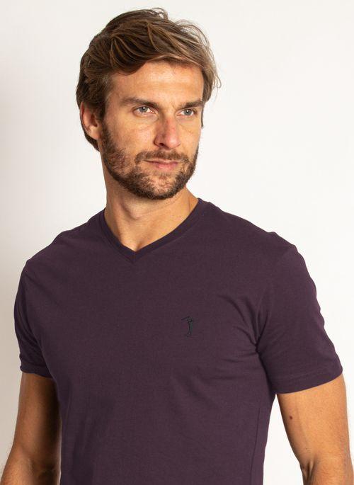 camiseta-aleatory-masculino-basica-gola-v-roxa-modelo-2020-1-