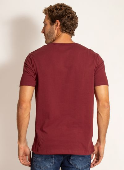 camiseta-aleatory-masculina-lisa-reativa-vinho-modelo-2-