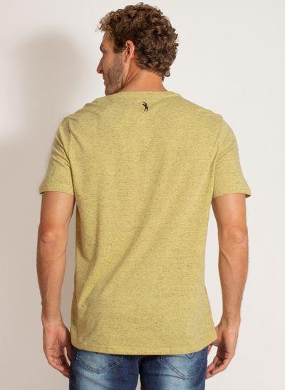 camiseta-aleatory-masculina-estampada-beach-amarelo-modelo-2-