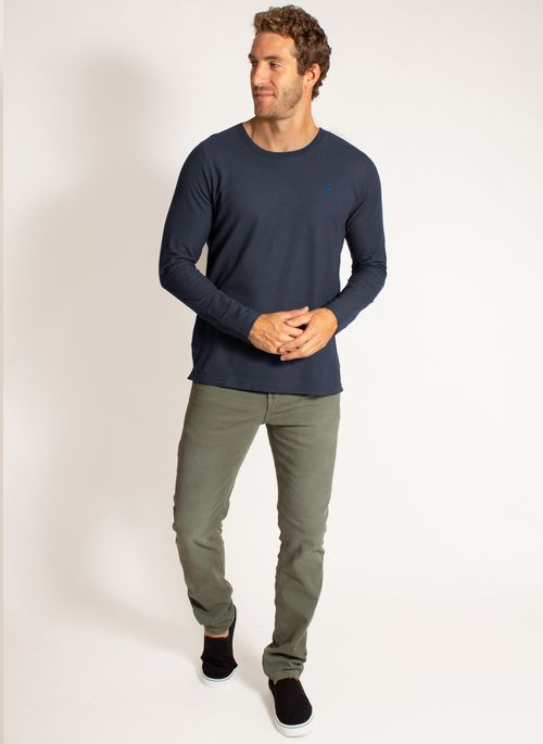 camiseta-aleatory-masculina-manga-longa-lisa-freedom-azul-marinho-modelo-3-