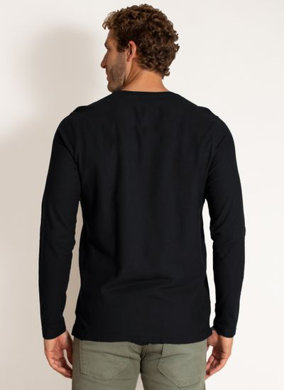 camiseta-aleatory-masculina-manga-longa-lisa-freedom-preto-modelo-2-