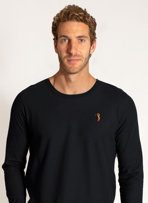 camiseta-aleatory-masculina-manga-longa-lisa-freedom-preto-modelo-1-