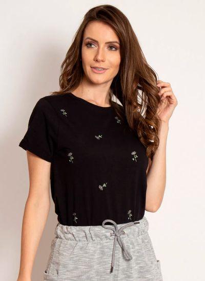 camiseta-aleatory-feminina-estampada-flower-modelo-6