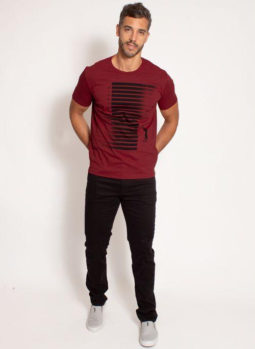 camiseta-aleatory-masculina-estampada-big-vermelha-modelo-3-