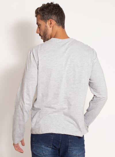 camiseta-aleatory-masculina-manga-longa-recortada-cinza-modelo-2-
