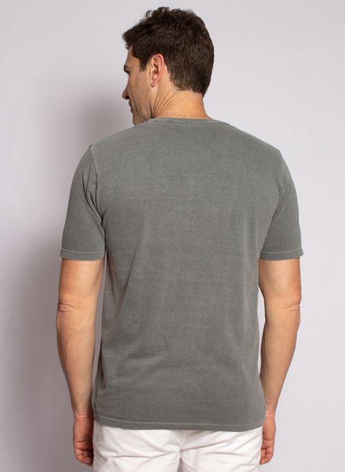 camiseta-aleatory-masculina-lisa-stonada-cinza-modelo-2-