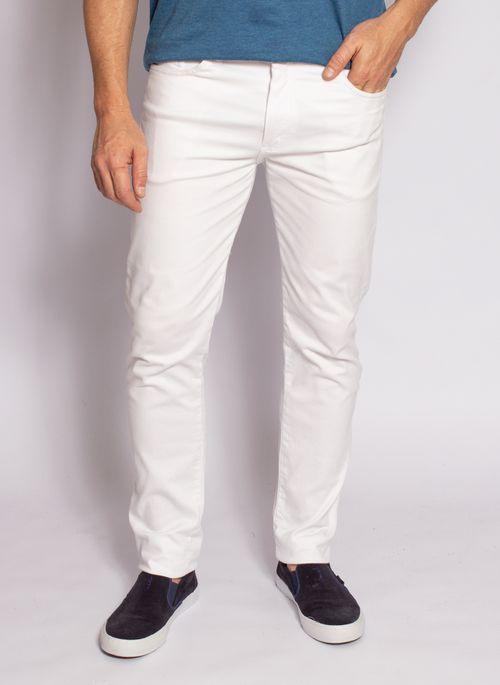 calca-sarja-aleatory-masculina-branca-2020-modelo-1-