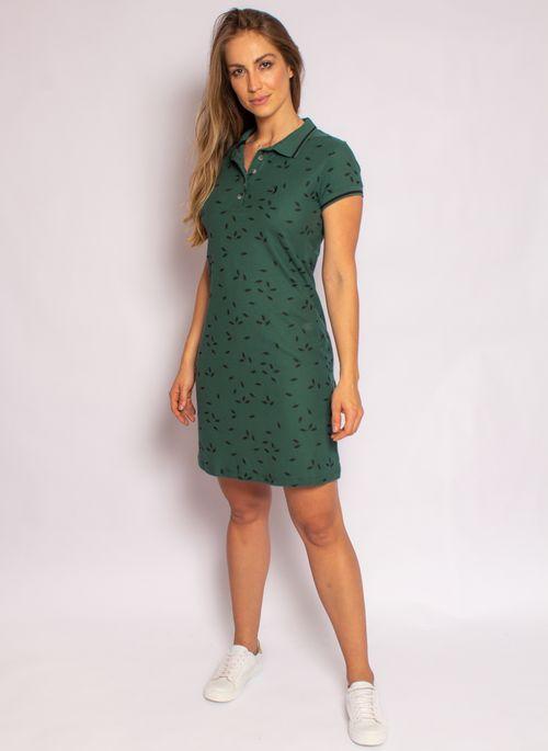 Vestido estampado é um presente de Natal feminino para mulheres que gostam de roupa feminina marcante