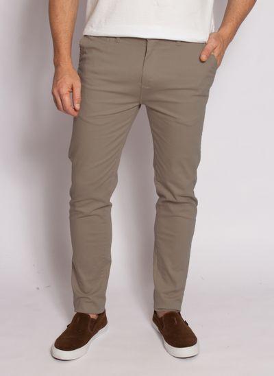 calca-aleatory-masculina-sarja-fine-khakiescuro-modelo-2020-1-