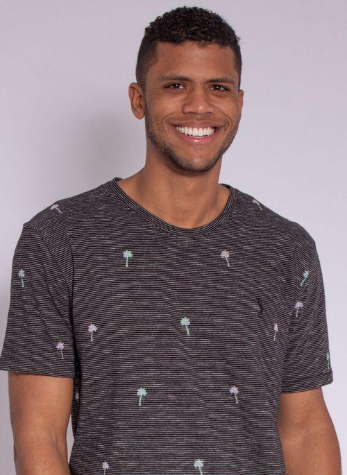 camiseta-aleatory-masculina-full-print-hush-preto-modelo-1-