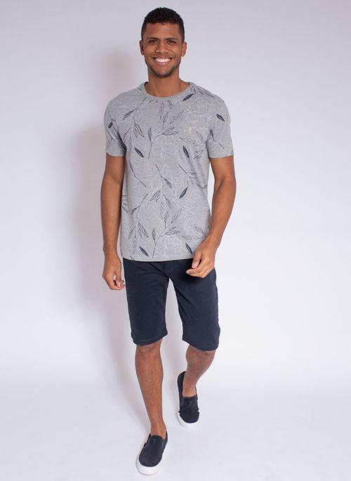 camiseta-aleatory-masculina-full-print-leaf-cinza-modelo-3-