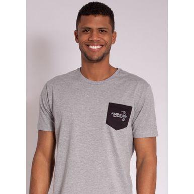 camiseta-masculina-aleatory-estampada-golf-com-bolso-cinza-modelo-1-