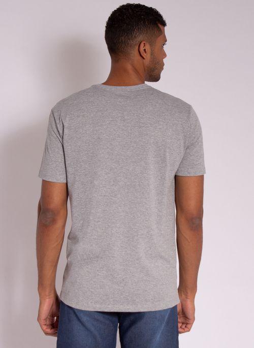 camiseta-masculina-aleatory-estampada-golf-com-bolso-cinza-modelo-2-