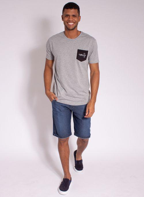 camiseta-masculina-aleatory-estampada-golf-com-bolso-cinza-modelo-3-