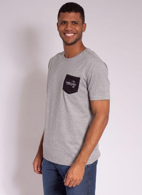 camiseta-masculina-aleatory-estampada-golf-com-bolso-cinza-modelo-4-