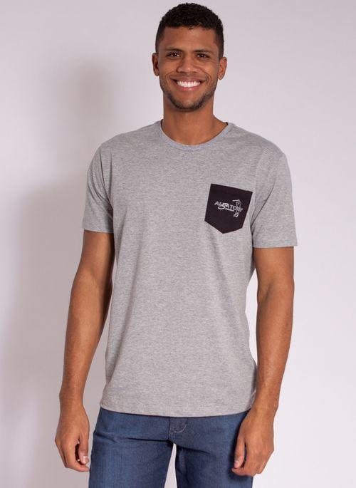 camiseta-masculina-aleatory-estampada-golf-com-bolso-cinza-modelo-5-