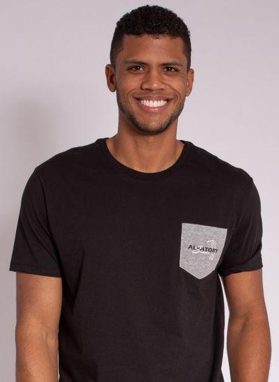 camiseta-masculina-aleatory-estampada-golf-com-bolso-preto-modelo-1-