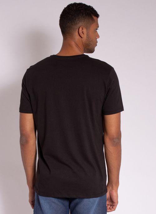 camiseta-masculina-aleatory-estampada-golf-com-bolso-preto-modelo-2-