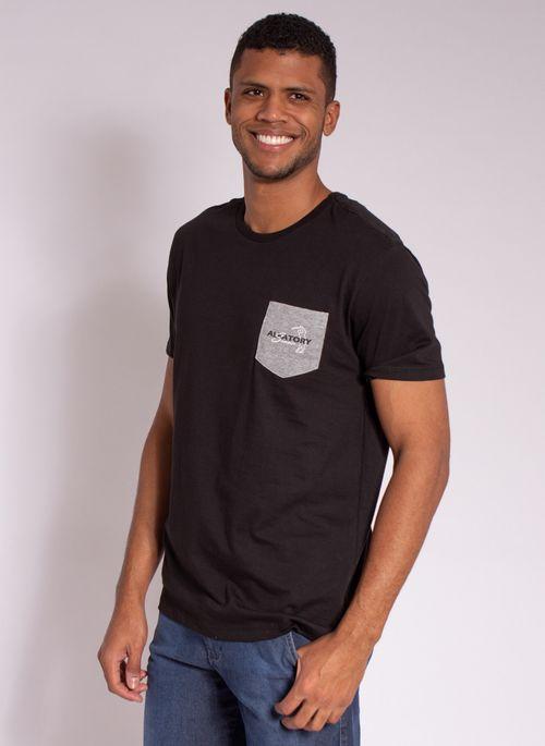 camiseta-masculina-aleatory-estampada-golf-com-bolso-preto-modelo-4-