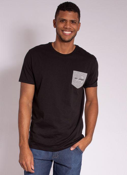 camiseta-masculina-aleatory-estampada-golf-com-bolso-preto-modelo-5-