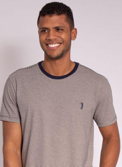 camiseta-masculina-aleatory-estampada-full-branco-modelo-1-