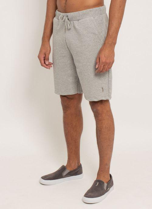 bermuda-aleatory-masculina-moletom-confort-cinza-modelo-2-