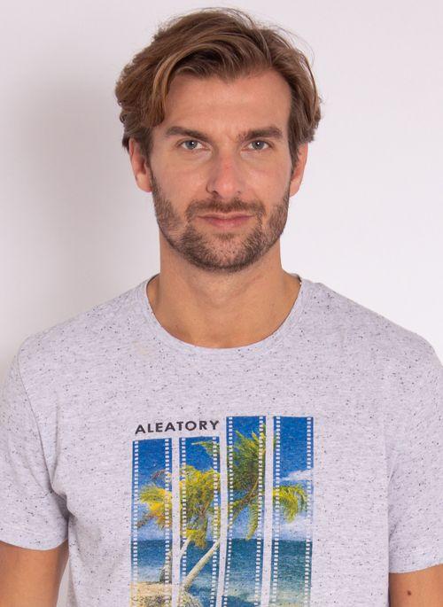 camiseta-masculina-aleatory-estampada-flim-cinza-modelo-1-