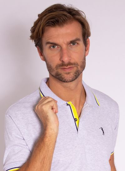 camisa-polo-aleatory-masculina-lisa-fearless-cinza-modelo-1-