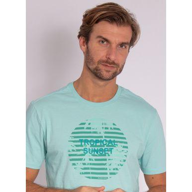 camiseta-aleatory-masculina-estampada-velvet-verde-modelo-1-