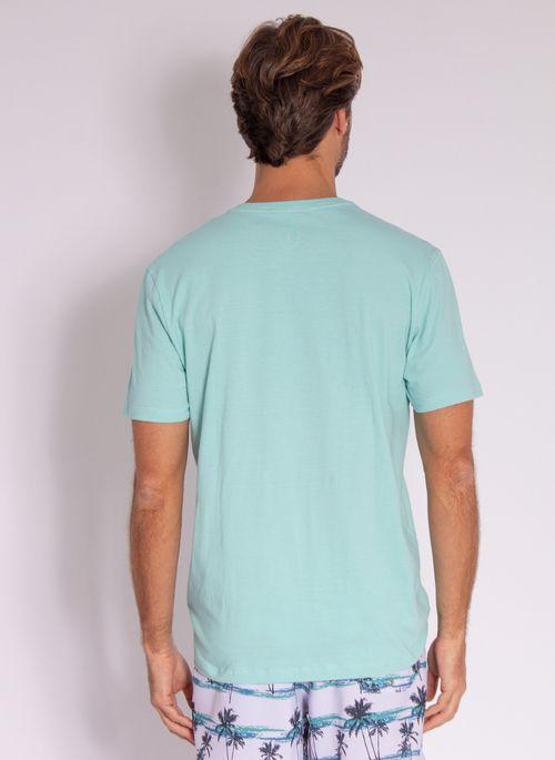 camiseta-aleatory-masculina-estampada-velvet-verde-modelo-2-