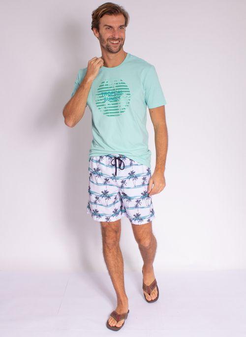 camiseta-aleatory-masculina-estampada-velvet-verde-modelo-3-