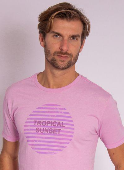 camiseta-aleatory-masculina-estampada-velvet-lilas-modelo-1-