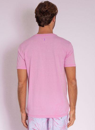 camiseta-aleatory-masculina-estampada-velvet-lilas-modelo-2-