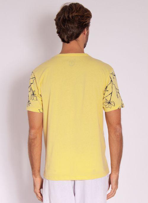 camiseta-aleatory-masculina-mini-print-hamdsome-amarelo-modelo-2-