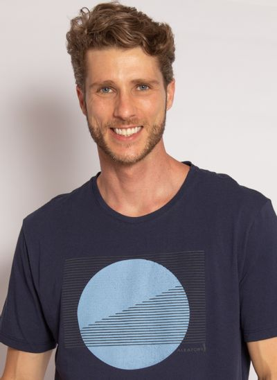 camiseta-aleatory-estampada-moom-marinho-modelo-2020-1-