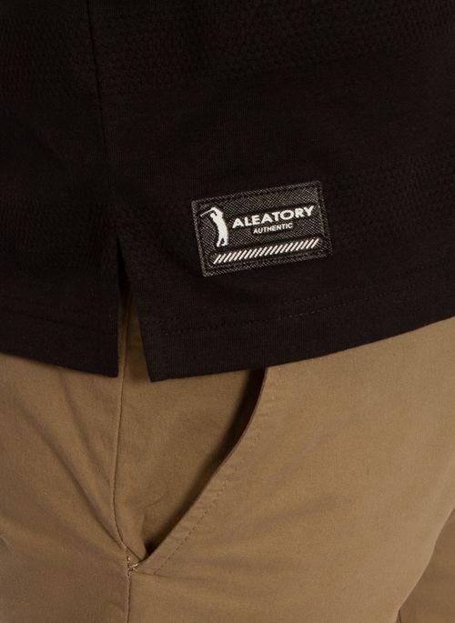 camisa-polo-aleatory-masculina-listrada-textura-preto-modelo-5-