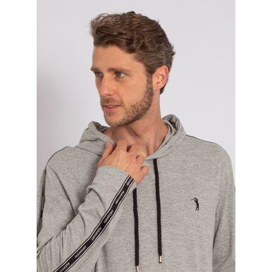 camiseta-aleatory-masculina-manga-longa-com-capuz-cinza-modelo-1-