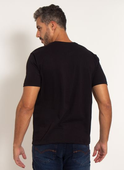camiseta-aleatory-masculina-double-preta-modelo-2-