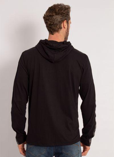 camiseta-aleatory-masculina-manga-longa-com-capuz-preto-modelo-2-