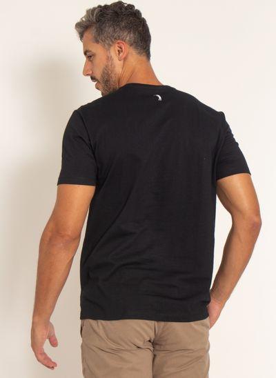 camiseta-aleatory-estampada-masculina-waves-preto-modelo-2-