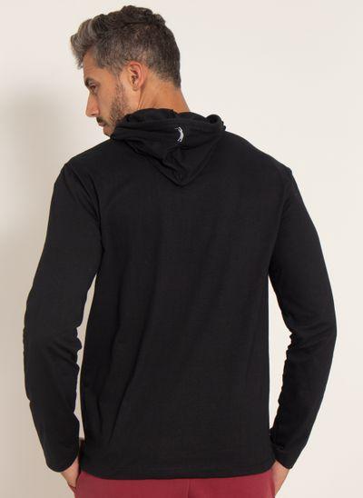 camiseta-aleatory-lisa-masculina-manga-longa-com-capuz-preto-modelo-2-